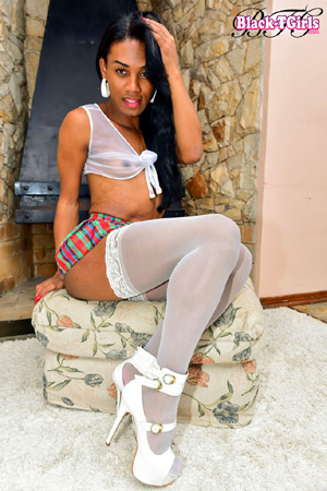 Amateur Black TGirl Upskirt POV