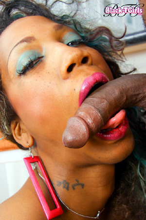 Black Tranny Interracial Deepthroat Blowjob