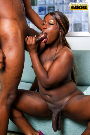 Sloppy Gagging Black Tranny Deepthroat Blowjob