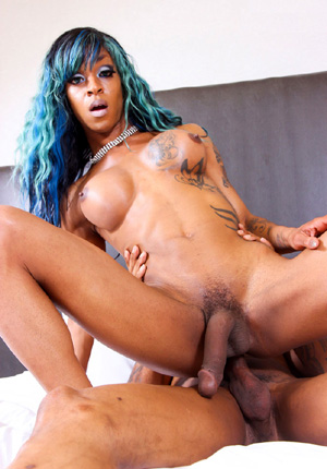 black huge dick shemales