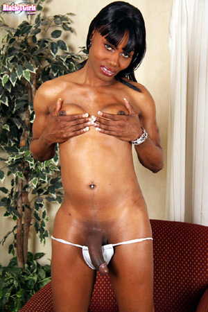 Amateur Ebony Shemale Deepthroat Blowjob